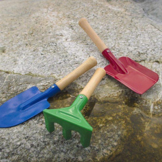 Metal spade, shovel, fork set